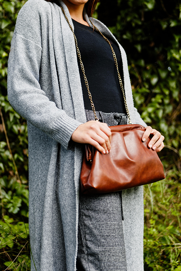 POUCH LEATHER BAG BROWN